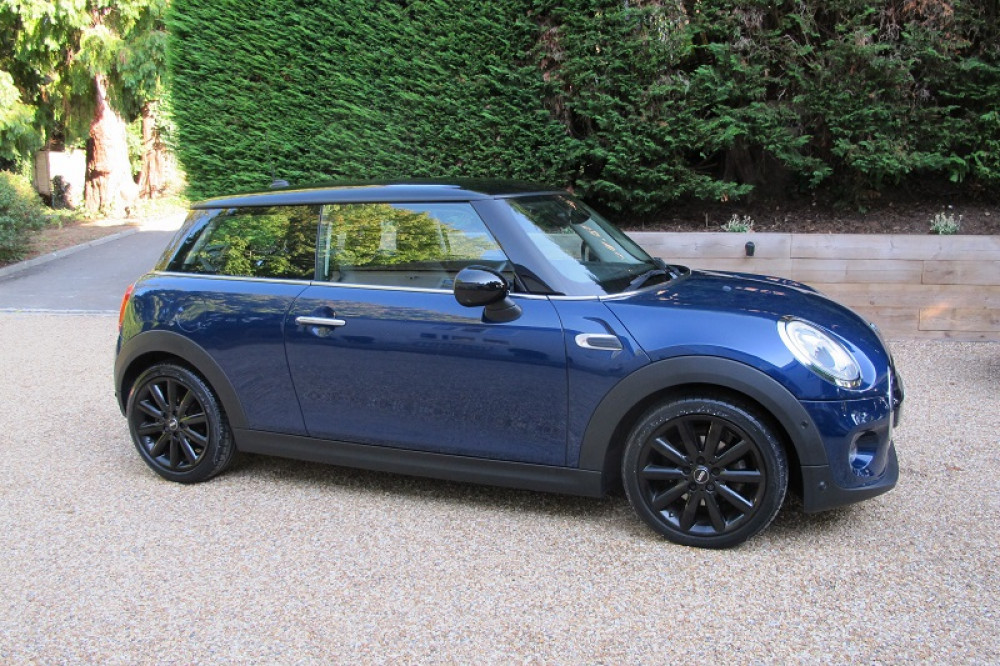 Cooper 1.5 Automatic Hatchback